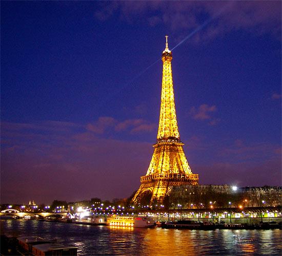La Tour Eiffel par nuit